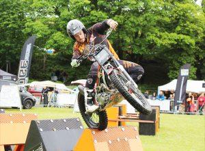 Vangollen Festival - Motorbikes vs mountain bikes